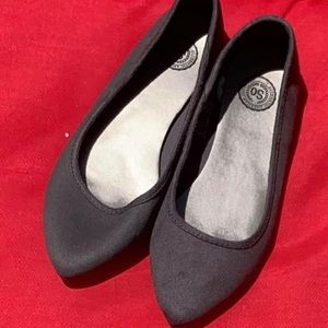 Women's SO gray flats